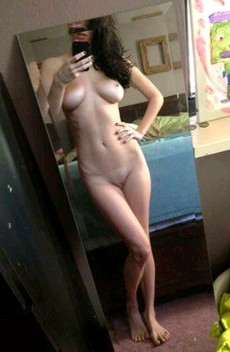 Casual nude selfies, homemade naked..